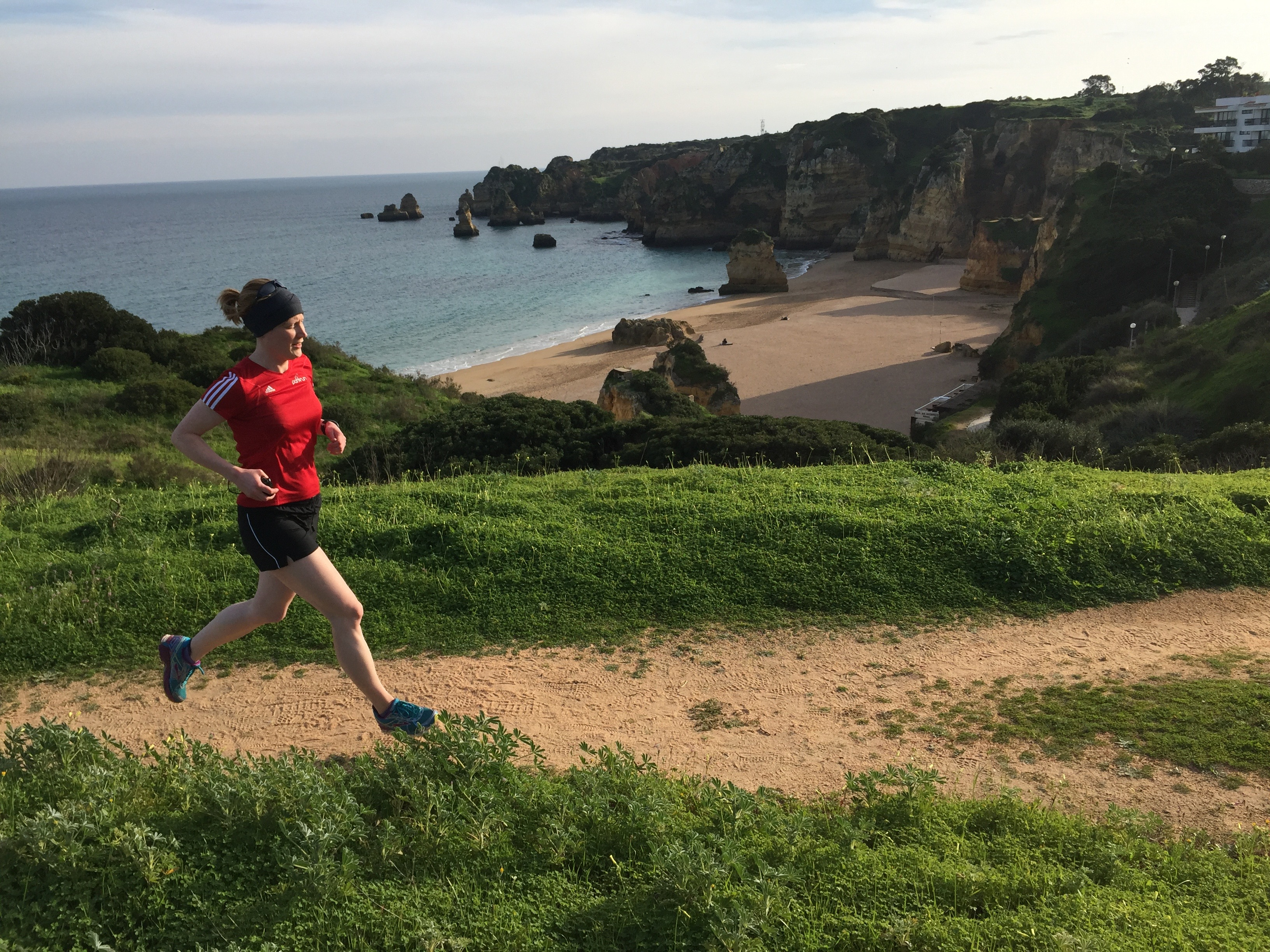 Coastal trail run on an Embrace Sports marathon running holiday